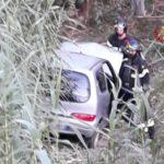 Due persone ferite a Loreto nell'auto finita contro un palo di cemento