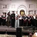 I Cantori della Città Futura di Vallefoglia protagonisti a Pesaro di una fantastica serata nel cortile di palazzo Toschi-Mosca
