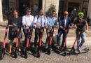 Ricci apre a Pesaro l'era del monopattino elettrico a flusso libero
