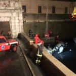 Una piccola imbarcazione affonda ad Ancona, recuperata dai vigili del fuoco