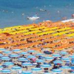 Dopo le feste in spiaggia il sindaco di Pesaro chiede la chiusura per due giorni dei locali