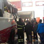 Pompieri per un giorno, ad Ancona una bella iniziativa che ha coinvolto 40 bambini della quinta elementare