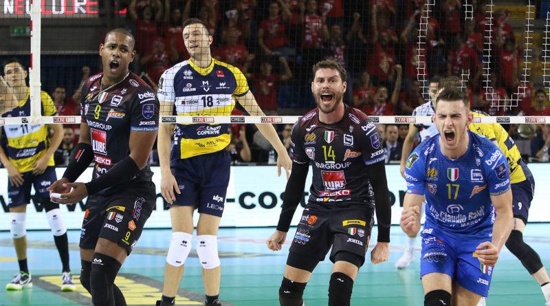 Show della Cucine Lube Civitanova contro Modena: 3-0 e settima vittoria consecutiva in SuperLega