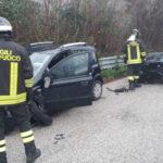 Schianto tra due auto nella tarda mattinata a Casine di Paterno