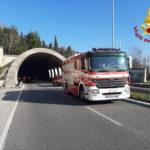 Cadono pezzi di intonaco: galleria chiusa per due ore ad Ancona lungo l'asse Nord-Sud