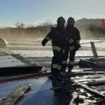 Pannelli fotovoltaici in fiamme sul tetto dell'azienda farmaceutica Angelini