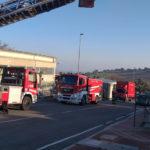 Nella zona artigianale di Sirolo danneggiati dalle fiamme gli uffici di un'azienda