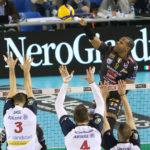 I biancorossi della Lube scivolano in casa contro Milano: primo ko in SuperLega (2-3)