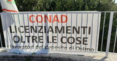 Confermati i licenziamenti dei 100 addetti del deposito ex Auchan di Osimo