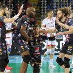 I biancorossi della Lube tornano subito al successo in SuperLega: secco 3-0 su Ravenna