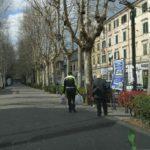 Ad Ancona un'anziana in difficoltà accompagnata a casa dagli agenti della Polizia locale