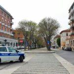 Dopo il terzo passaggio con l'auto davanti agli agenti diciannovenne fermato e multato ad Ancona