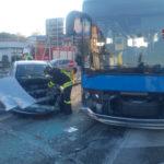 Tre feriti a Torrette nello schianto tra un'auto ed un autobus