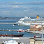 La Costa Magica è arrivata al porto di Ancona: tutta l'area delimitata e posta sotto stretta sorveglianza