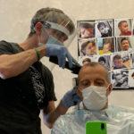 A Pesaro il sindaco Matteo Ricci riparte dal barbiere