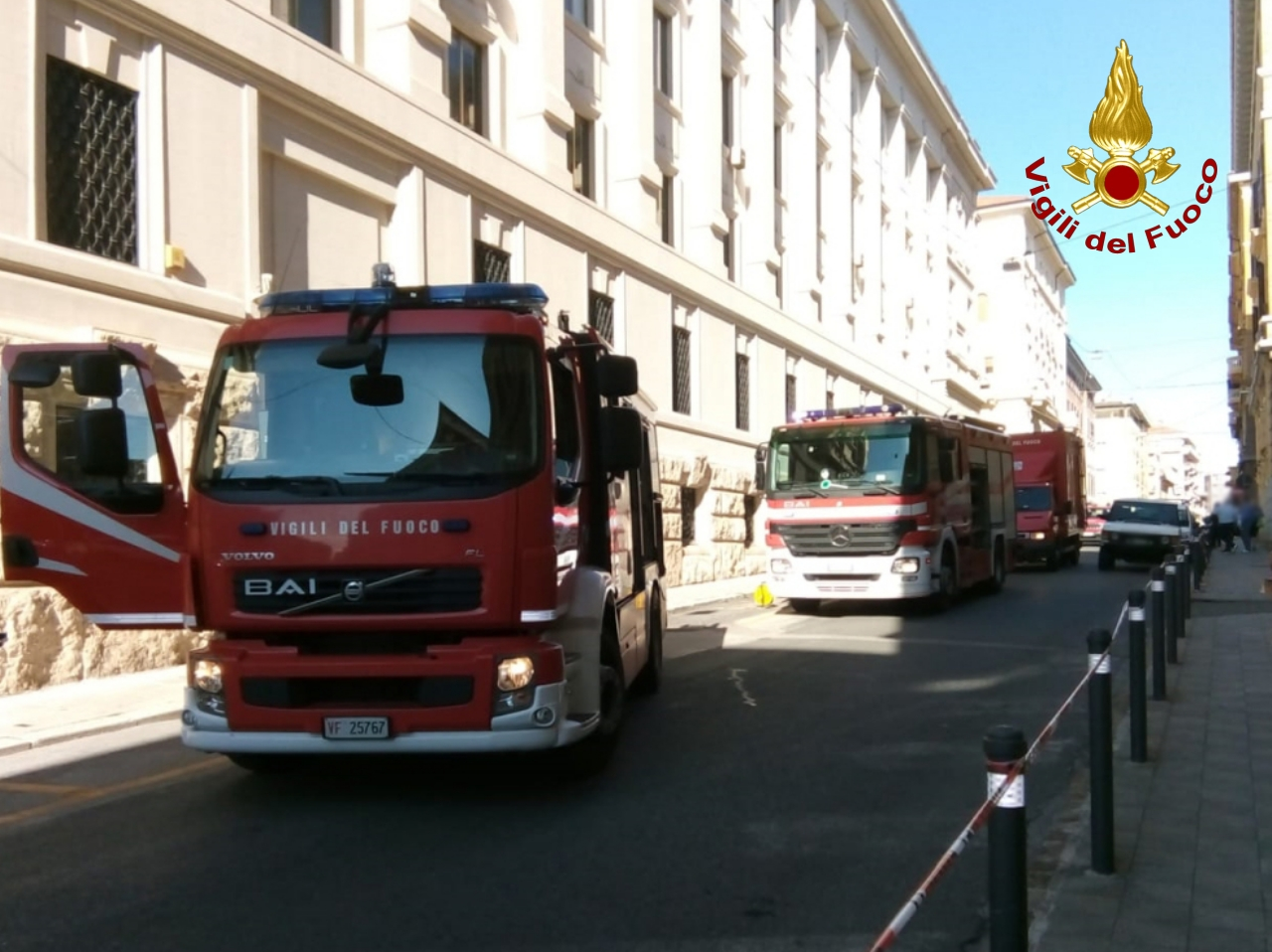 ANCONA incendio palazzo poste vdf2020-06-16 (2) – AltrogiornaleMarche