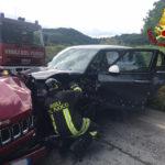 Schianto tra due auto con un ferito tra Sappanico e Casine di Paterno