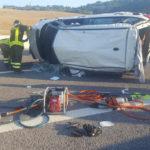 Si rovescia con l'auto sull'A14, trasportata a Torrette con l'eliambulanza