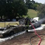 Tre auto d'epoca in fiamme: due distrutte, una danneggiata