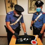 I carabinieri di Fabriano arrestano un pusher: nell'auto aveva cocaina, hashish ed eroina