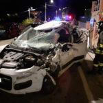 Auto si schianta contro un camion: due feriti trasportati all'Ospedale di Torrette