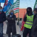 Troppi morti sul lavoro, presidio dei lavoratori al porto di Ancona per chiedere più sicurezza
