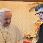 Nelle mani di Papa Francesco il libro dedicato a Don Fortunato Di Noto