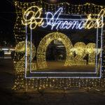 Ad Ancona la stella cometa illumina il Natale di Piazza Cavour