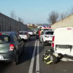 Tre auto coinvolte in un incidente dopo la galleria della Montagnola, traffico in tilt