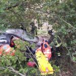 Finisce con l'auto in un dirupo, una donna soccorsa e ricoverata all'Ospedale di Torrette