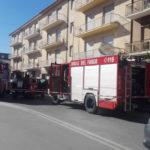 Appartamento in fiamme, due persone soccorse dai vigili del fuoco