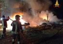 Incendio nella notte vicino al casello autostradale di Ancona Sud