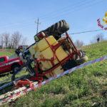 Si ribalta un trattore, il conducente trasportato con l'eliambulanza all'ospedale di Torrette