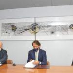 Roberto Mancini sottoscrive in Regione l'accordo come testimonial delle Marche