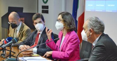 """Il ministro Gelmini in Regione: """"Una buona campagna vaccinale per poter programmare le riaperture in sicurezza"""""""