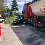 Scontro tra un'auto ed un camion alla periferia di Pieve Torina