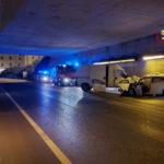 Due feriti nella notte nello scontro tra un'auto ed un furgone