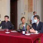 Nelle Marche c'è tanta voglia di ripartire, inaugurata la mostra dedicata alla Madonna di Loreto di Raffaello