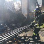 Incendio in un capannone alla periferia di Loreto