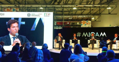 Marche protagoniste all'apertura del Micam con il ministro Giorgetti