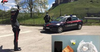 Trovato con l'eroina durante un controllo, ventenne arrestato dai carabinieri